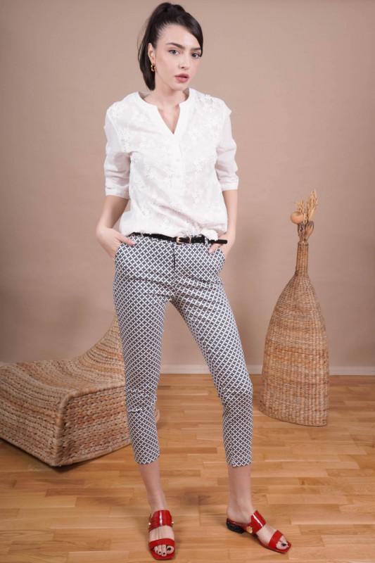 Pantaloni skinny cu flori L009 Negri